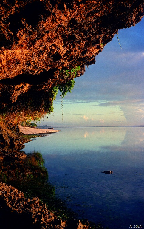 sea-and-sky-on-the-reef-at-Tiwi.jpg