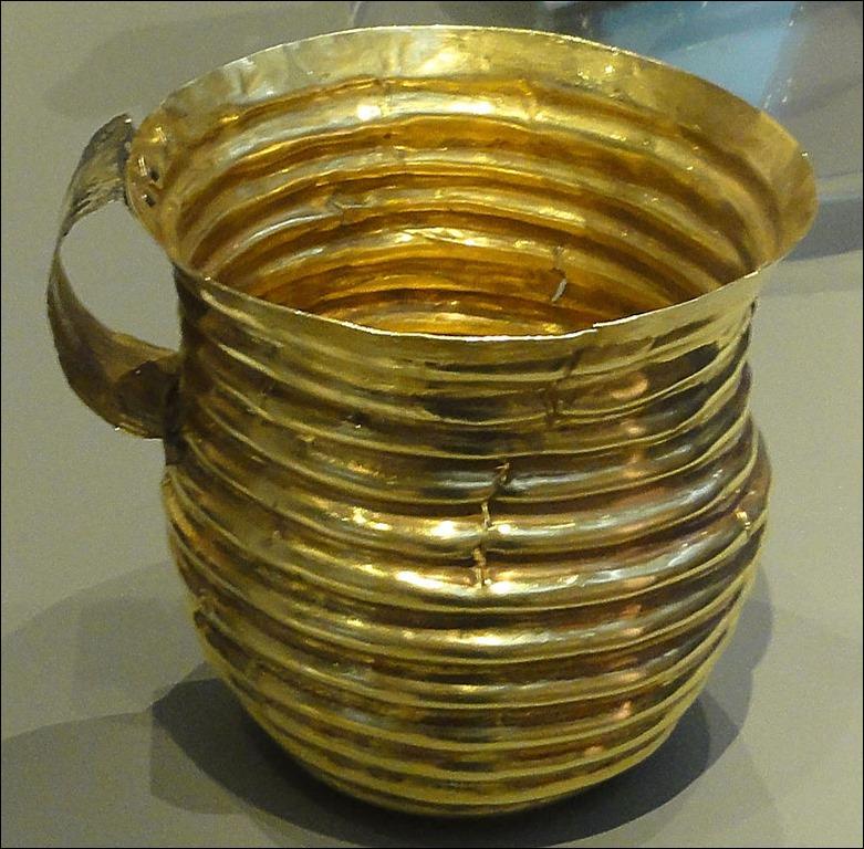 779px-Rillaton_Cup[1]