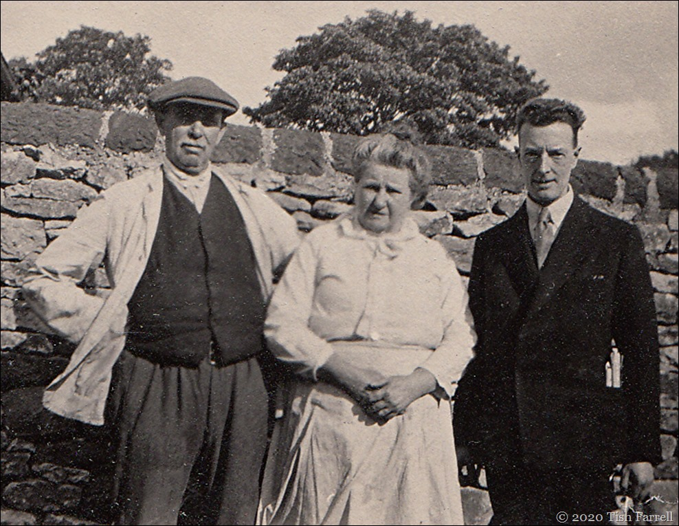 Almost certainly Gt gt Uncle Robert Jackson Fox, wife Edith, and nephew Tom Shorrocks, Foolow before 1931